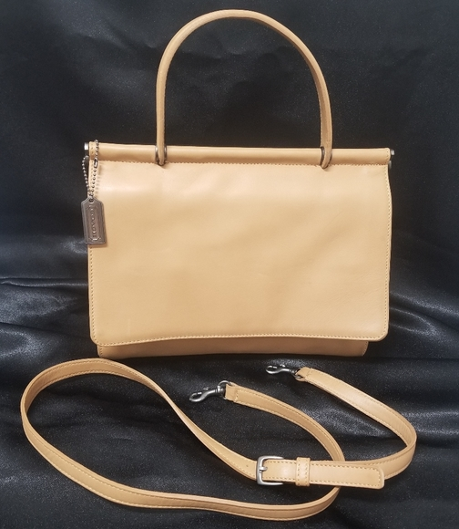 Coach Handbags - Vintage Coach Whitney Dowel Leather Saddlebag
